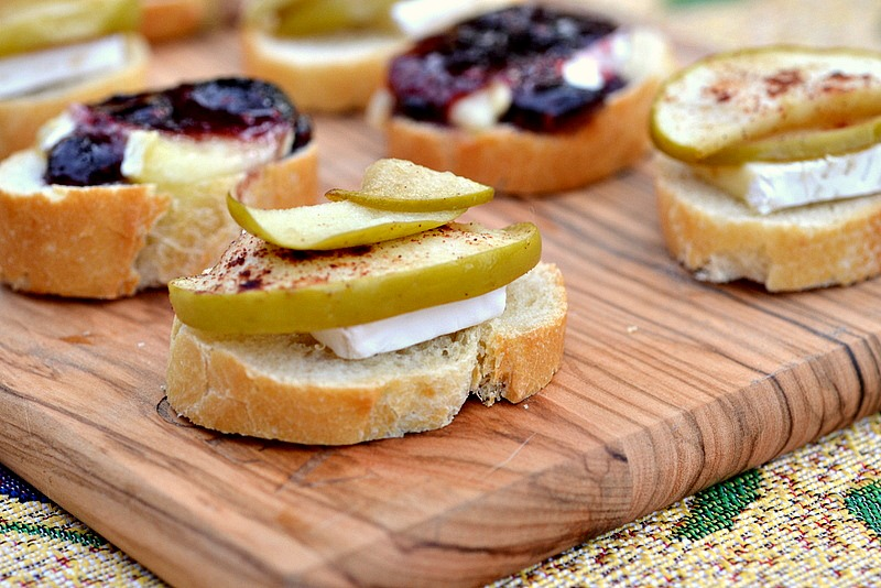 Eat skinny super bowl edition fruit brie canap s the for French canape ideas