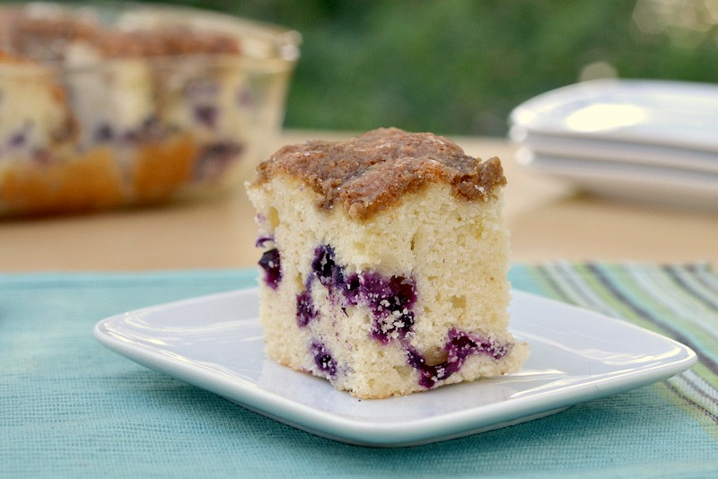 Blueberry muffin cake! Honestly, the only thing better than a muffins ...