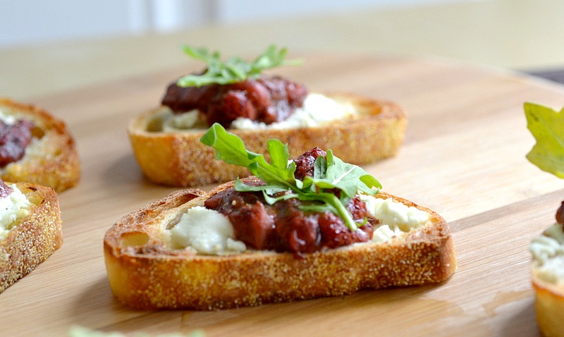 Roasted balsamic strawberry goat cheese canap recipe for Canape receipes