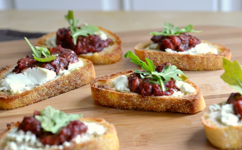 Roasted balsamic strawberry goat cheese canap recipe for Cheese canape ideas