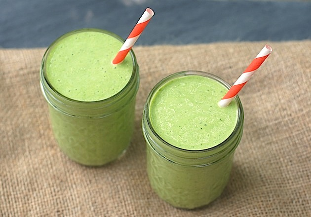 ... with the Fearless Homemaker: Skinny Tropical Green Smoothie Recipe