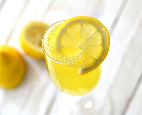 lemon drop champagne cocktail