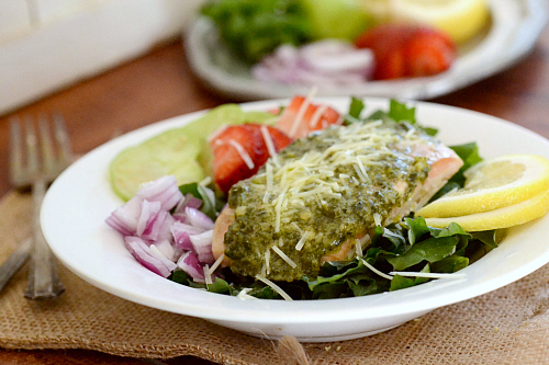 Fresh salmon and pesto salad