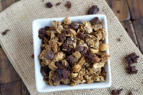 Chunky PB granola