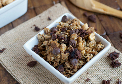 Peanut butter chia seed granola - nutritionfor.us