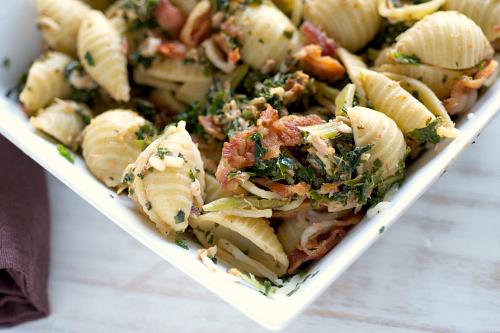 Tuna pasta salad with kale