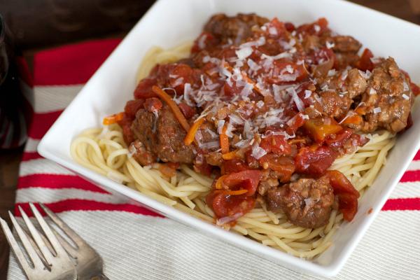 Vegan Crock Pot Bolognese Sauce | The Realistic Nutritionist