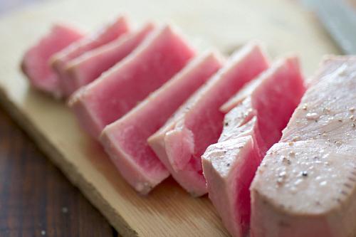 sliced ahi tuna.jpg