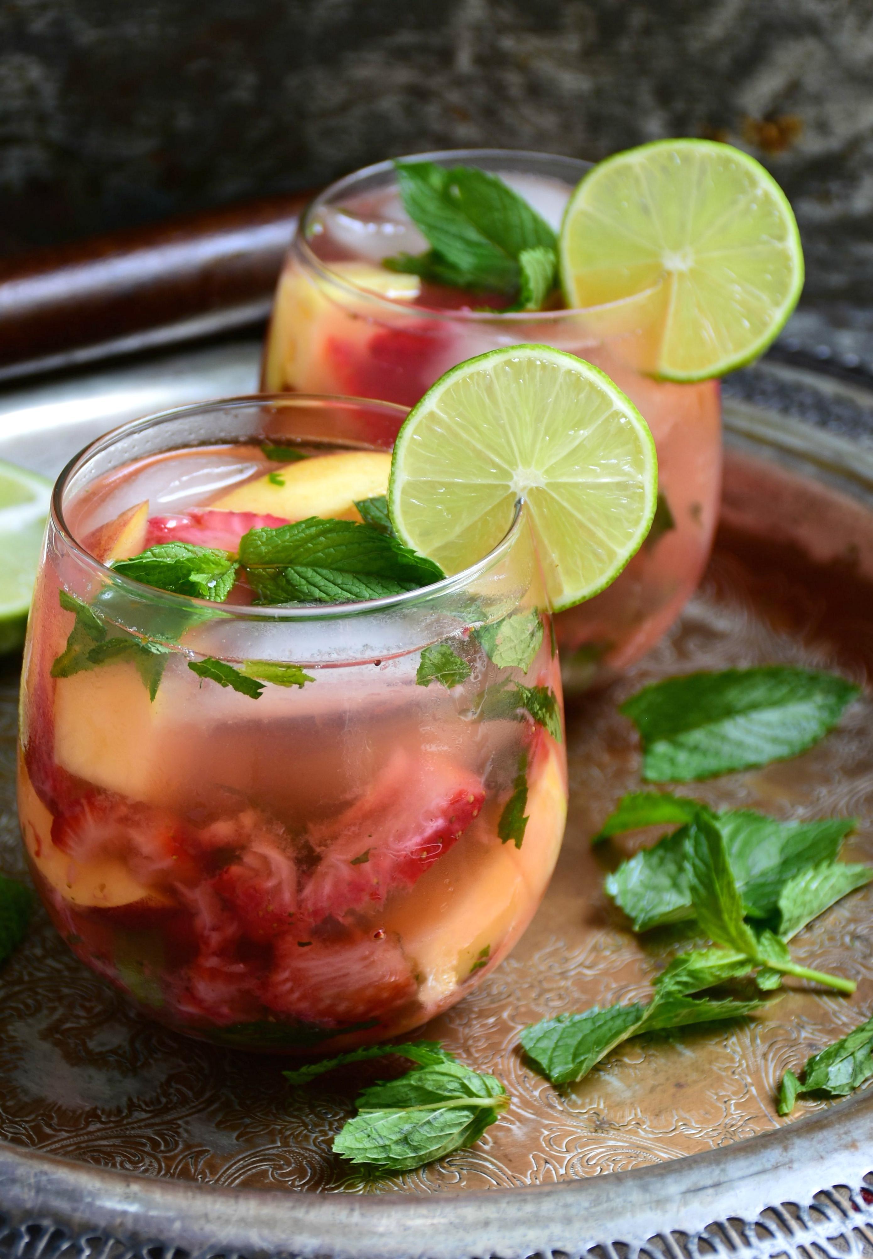 vodka lemon mojito cocktail drink